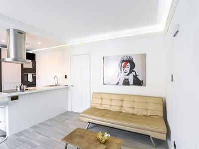 Photo for High Tech 1BR Flat in Borough