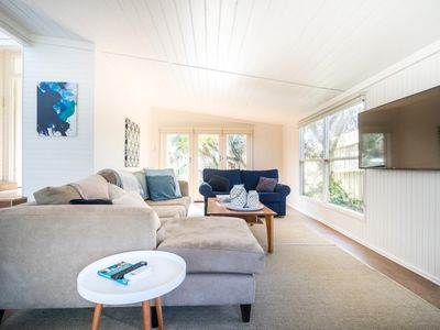 Photo for Treetop Beach Shack | Walk to Blairgowrie Village