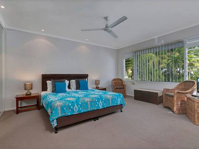 Photo for 4BR Townhome Vacation Rental in Palm Cove, QLD