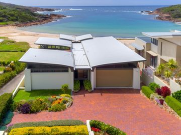 Search 1,218 holiday rentals