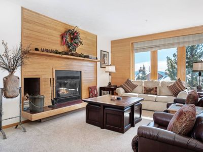 Photo for Incredible Panoramic Mountain Views! Beautiful Condo With Log Fireplace & Best Clubhouse in County