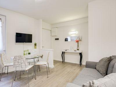 Photo for Modern 2 bed flat next to Ponte Vecchio