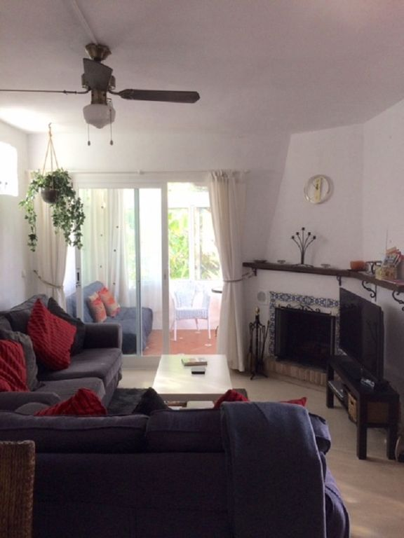 APARTMENT, WALKING DISTANCE TO BEACH