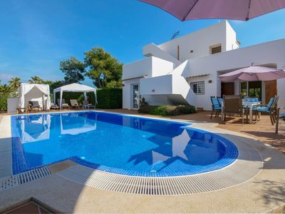 Photo for Modern holiday villa with large pool and roof terrace