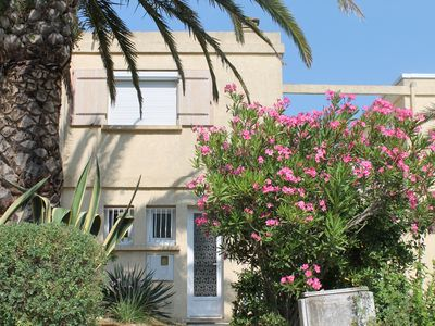Photo for Air-conditioned chalet in Holiday Residence in Six-Fours les Plages