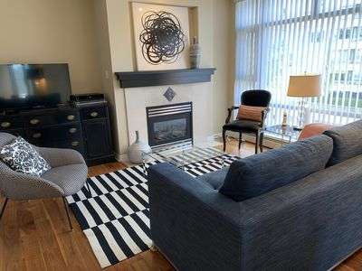 Photo for Exquisite 1bedroom+Den Furnished Condo