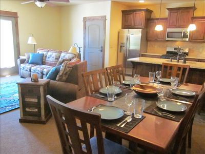Aloha Bear's living, dining & kitchen are open for max family & guest enjoyment.