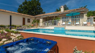 Photo for Adorable villa with pool and nice garden in Pazin
