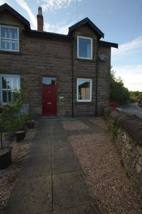 Photo for Spacious cottage in quaint market town. Ideal base for exploring Peak District
