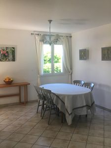 Photo for House with garden in quiet very close to Avignon