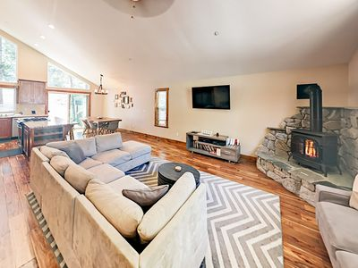 Photo for Spacious Newly Built 4BR with Hot Tub - Alpine Getaway - Minutes to Heavenly