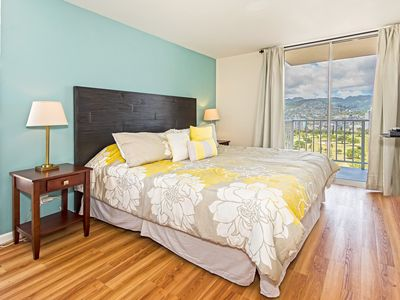 Photo for Deluxe Upgraded Waikiki 2 Bdrm., Free Pkng, Panoramic View!