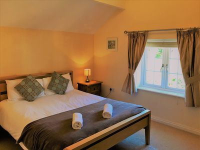 Photo for Excellent Holiday Cottage, Tarporley Village Centre