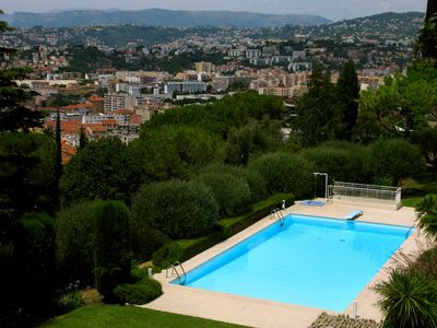 Photo for Very large bright 2P in Nice in a park with swimming pool!
