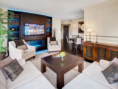 Photo for Ultimate Yorkville Luxury - Two-Bedroom Corner Suite (Kitchen, Balcony) [N3]
