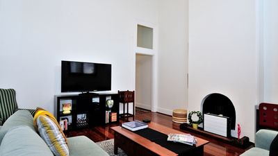 Photo for Large historic inner city Fremantle apartment