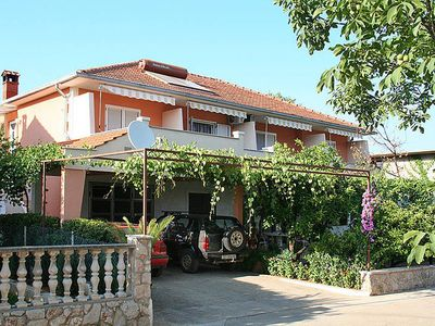 Photo for Apartment Haus Dobrila  in Jelsa - Insel Hvar, Dalmatia - 4 persons, 1 bedroom