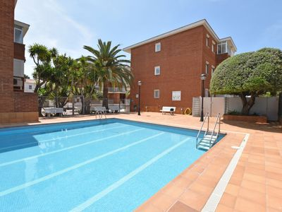 Photo for Torredembarra Apartment, Sleeps 4 with Pool, Air Con and Free WiFi