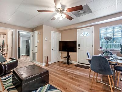 Photo for Relaxing New Orleans Apt just minutes from City Park, Downtown- Easy