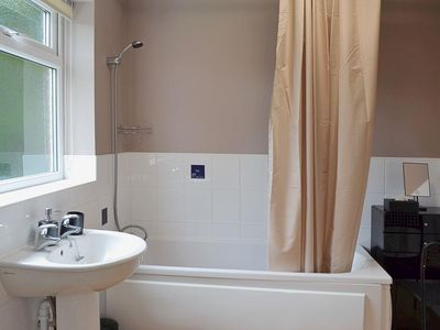 Bathroom Design East Yorkshire wild boar cottage: 1 bedroom property in york. - 6778298