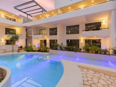 Photo for ★Amazing Suite★ Pool & Parking★H107