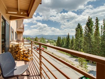 Photo for Updated condo with shared pool, hot tub & sauna plus free bus to skiing