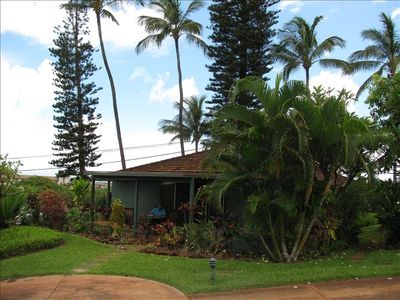 Photo for Lovely Private Cottage in Lush Landscaped Complex.