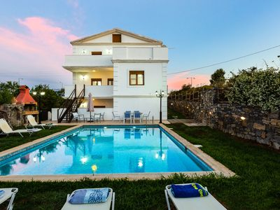 Photo for Villa Eleutheria! Private pool & Jacuzzi! 400m to Panormo sandy beach & shops!