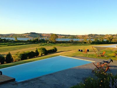 Photo for Villa sul Lago 9, with swimming pool and surrounded by greenery in the vicinity of Lake of Chiusi