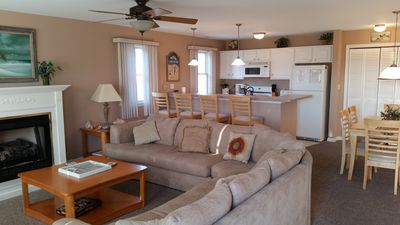 Photo for 3 BR 2 Bth Condo Near Conv Ctr 1 1/2 Blk to Beach. Spring & Fall weekends