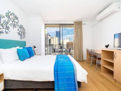 Photo for Large 1 bed separate living. sleeps 3