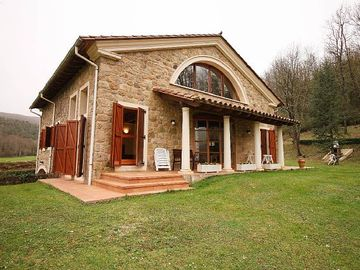 Self catering L' Esquirol for 14 people