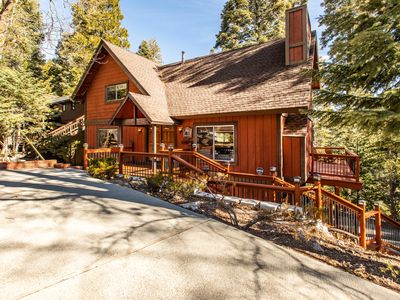 Photo for Birchwood Cabin - walking distance to Blue Jay Village and the lake