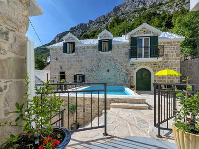 Photo for Stone villa with pool at Baska Voda, 3 bedrooms, terrace, barbecue, WiFi,