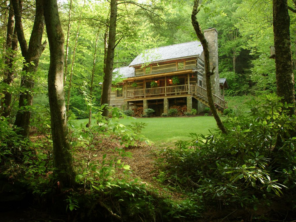 Sleepy creek antique log cabin 4 acres beautiful stream for Log cabin blue mountains