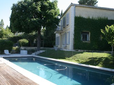 Photo for Promo: Bastide between city & countryside / beautiful view / pool barrier