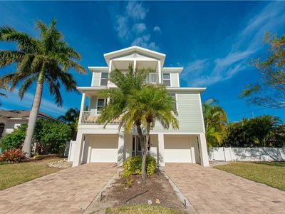 Photo for SUMMER RATES REDUCED 25% at Cabana Beach: 5 BR / 3.5 BA