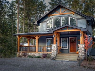 Photo for 3BR Cottage Vacation Rental in Edgewater, BC