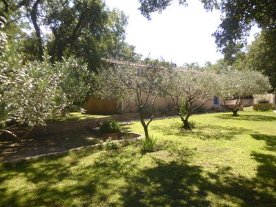 Photo for Villa with all comfort in Robion Au Pied du LUBERON, VAUCLUSE