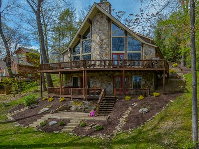 Photo for Centrally located mountain home with great outdoor space!