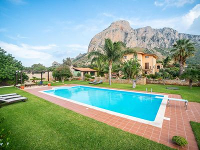 Photo for Villa Trinacria, 5 bedrooms up to 12 people