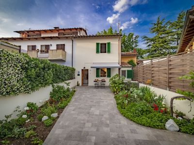 Photo for Small villa with relax pool 15 minutes from Florence