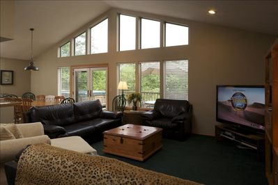 Great Room... with a view and fireplace.  Wi-fi and flat screens too.....