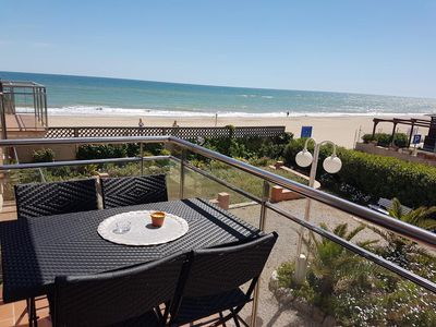 Photo for Onebedroom apartment with sea view, completely renovated in 2018.