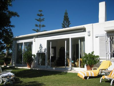Photo for Top holiday house with garden and pool, quiet and prime location