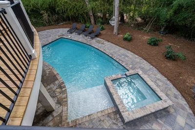 Pool and spa (heated for a fee).