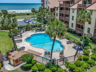Large Condo- Beautiful Views of the Pool, Courtyard and Ocean, 2 Balconies!