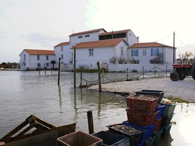 Photo for IR4, Guest apartment 4 people in old mill, pool, near Royan
