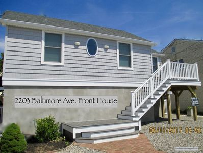 NEW LAVALLETTE Renovated & Elevated, Central A/C, WiFi, Beach Badges, Sleeps 6,