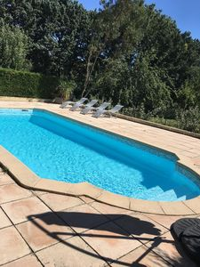 Photo for Beautiful house 5 bedrooms, sleeps 10, fenced pool, park of 4000 m2